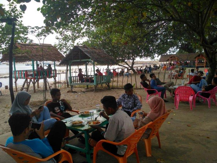 Pantai Jilbab, Pilihan Bersantai Remaja Abdya