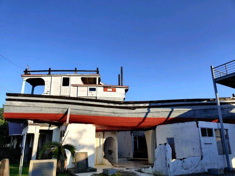 Boat di Atas Rumah