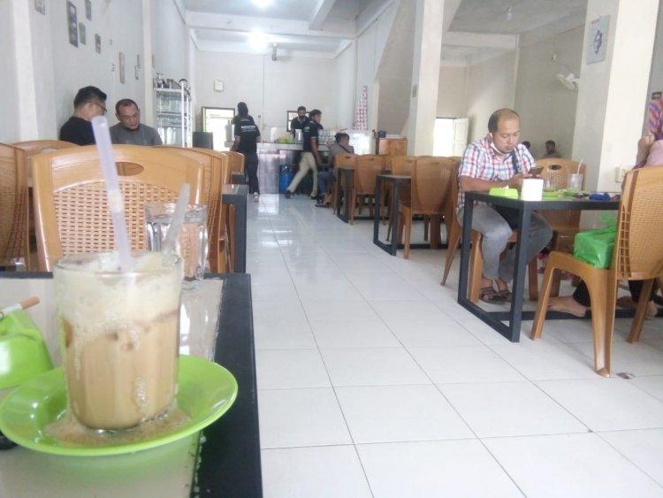 Warung Kopi WKWKLAND di Blandpidie Aceh